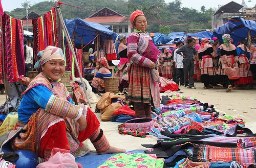 Ngày Xuân ngơ ngẩn với tiếng khèn ở phiên chợ Mèo Vạc – Hà Giang