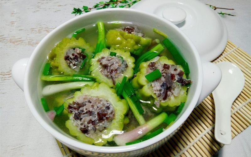 Học người Sài Gòn ăn mướp đắng trong năm mới để cầu may