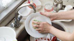 Những lỗi khiến cho bạn càng rửa bát càng bẩn
