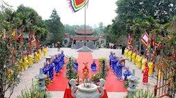 Lễ hội xuân Côn Sơn – Kiếp Bạc: Cấm các trường hợp khấn thuê, bưng lễ thuê vào đền