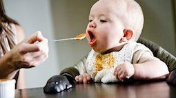 Con ăn nhiều tới mấy cũng không tăng cân nếu mẹ mắc sai lầm này