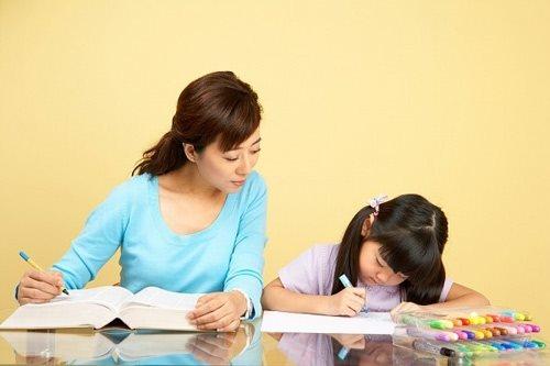 Phụ huynh đau đầu việc có nên cho con học chữ trước khi vào lớp Một?