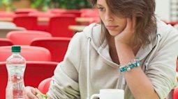 Ăn cơm một mình cực nguy hiểm cho sức khỏe