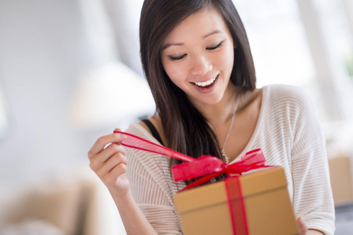 Đừng chờ đợi ai, phụ nữ nên chủ động tặng quà 8/3 cho bản thân - Làm cha mẹ
