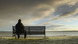 Hãy học cách sống cô đơn thật hạnh phúc trước khi yêu ai đó