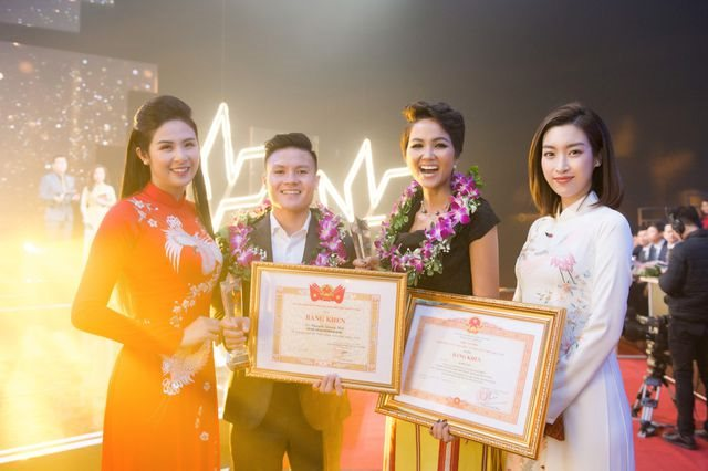 Hoa hậu H'Hen Niê ẵm danh hiệu gương mặt trẻ tiêu biểu của năm