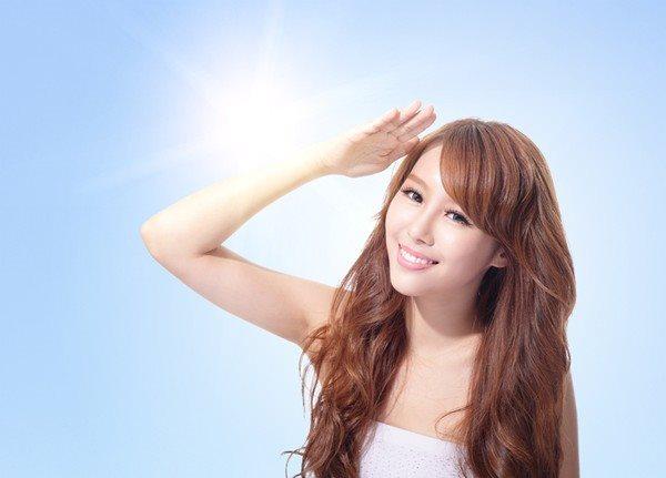 Bật mí 4 lợi ích tuyệt vời từ kem chống nắng bạn nên sử dụng ngay thôi