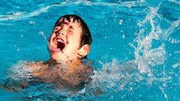Từ vụ 8 học sinh ở Hòa Bình đuối nước: Con biết bơi chưa hẳn đã an toàn