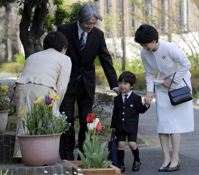 7 bài học dạy con tự lập đáng ngưỡng mộ của bố mẹ Nhật