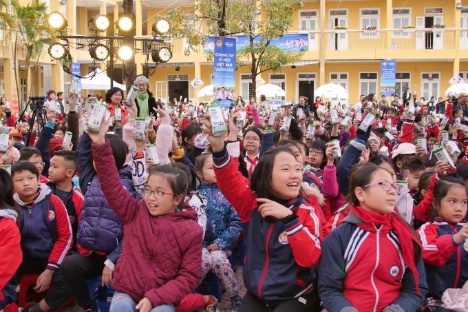 Chương trình Sữa học đường có ý nghĩa nhân văn và xã hội to lớn đối với sự phát triển của trẻ em, vì một Việt Nam luôn vươn cao.