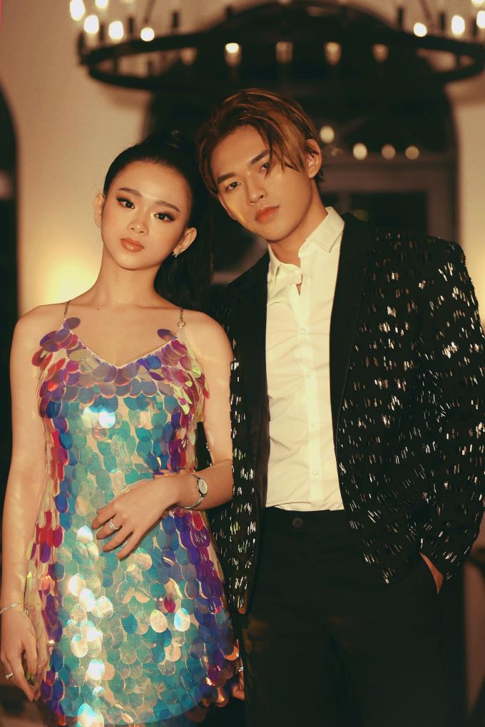 """Hot girl Linh Ka khoe ngực """"khủng"""" trong MV đầu tay của Dương Minh Tuấn"""