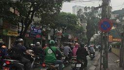 Hà Nội: Bàng hoàng phát hiện thi thể người phụ nữ chết bất thường bên cạnh xe máy