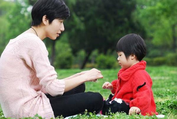 Rèn đức tính trung thực cho con, chuyện tưởng dễ mà chẳng phải nếu mẹ thiếu 7 phương pháp quan trọng này - Ảnh 2.