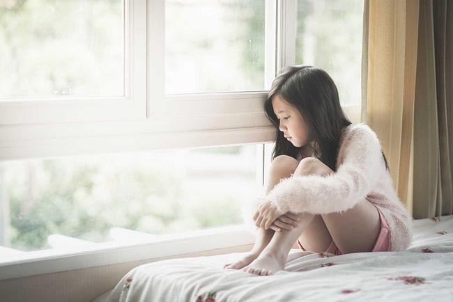 Rèn đức tính trung thực cho con, chuyện tưởng dễ mà chẳng phải nếu mẹ thiếu 7 phương pháp quan trọng này - Ảnh 4.