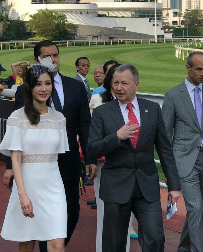Mỗi tháng nhận 6 tỷ đồng tiền tiêu vặt, vợ chồng Hoa hậu Lý Gia Hân có cuộc sống như thế nào? - Ảnh 4.