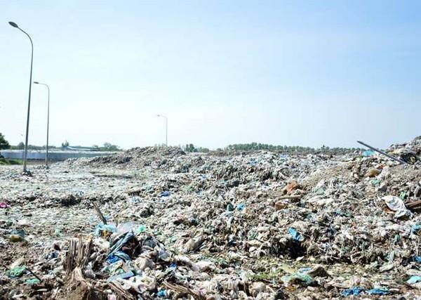 Phát hiện hơn 300 xác thai nhi tại Nhà máy xử lý rác thải TP.Cà Mau - Ảnh 1.
