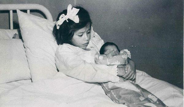 Bé gái 5 tuổi dậy thì sớm và trở thành người mẹ trẻ nhất lịch sử y học khi hạ sinh thành công một cậu bé trai khiến cả thế giới sửng sốt - Ảnh 1.