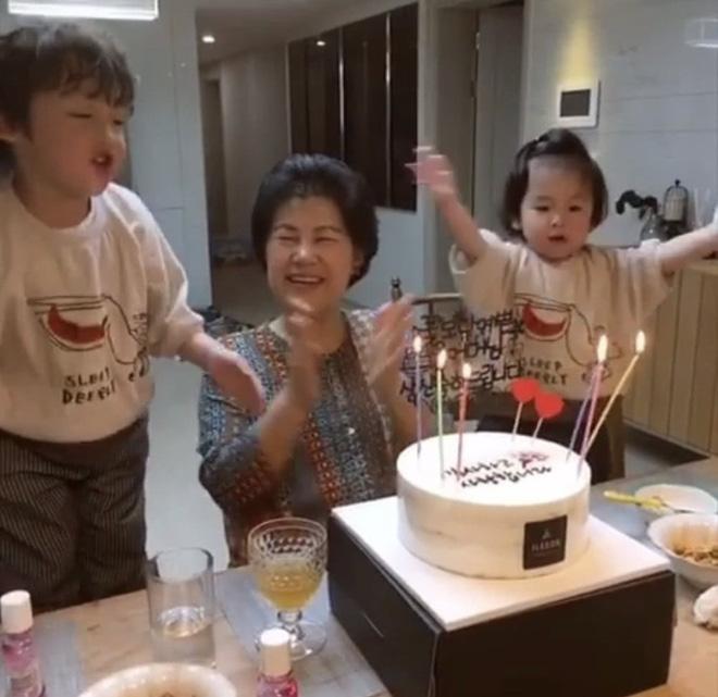 Giữa lùm xùm ly hôn, Song Hye Kyo lại vắng mặt trong ngày sinh nhật mẹ Song Joong Ki? - Ảnh 3.