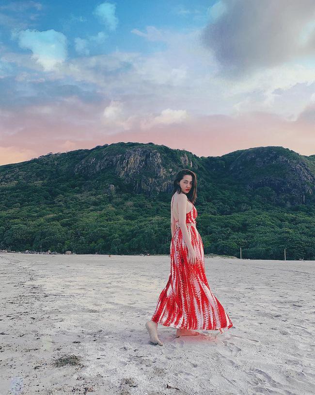 Đã mắt khi ngắm style du lịch của sao Việt nhưng đồng thời, bạn sẽ góp nhặt được 1001 ý tưởng diện đồ tuyệt xinh - Ảnh 3.