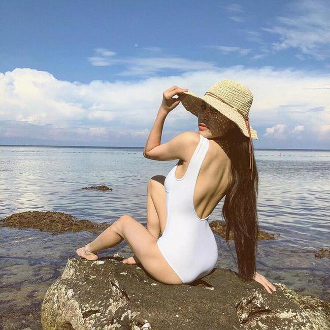 Mỹ nhân Vũ trụ VTV thả dáng với bikini: Ít khi khoe nhưng body cũng rất gì và này nọ, nóng bỏng chẳng kém ai - Ảnh 17.