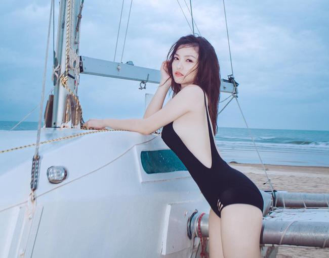 Mỹ nhân Vũ trụ VTV thả dáng với bikini: Ít khi khoe nhưng body cũng rất gì và này nọ, nóng bỏng chẳng kém ai - Ảnh 20.