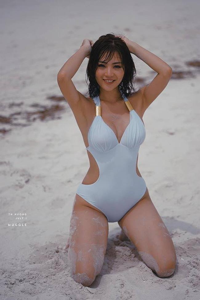 Mỹ nhân Vũ trụ VTV thả dáng với bikini: Ít khi khoe nhưng body cũng rất gì và này nọ, nóng bỏng chẳng kém ai - Ảnh 7.