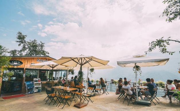 4 quán cafe cực hot ở Sapa sẽ cho bạn lạc vào nét đẹp hùng vĩ nơi núi rừng Tây Bắc - Ảnh 11.