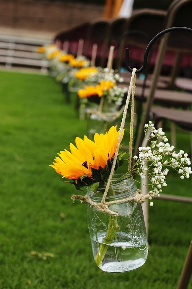 Hoa hướng dương - sắc màu tươi vui, hạnh phúc cho tiệc cưới của bạn - Ảnh 4.
