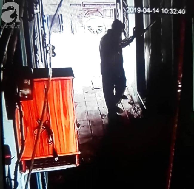 Gần một tháng, người mẹ mòn mỏi chờ công lý, đau khổ khi con gái 5 tuổi nghi bị gã xe ôm 60 tuổi dâm ô trong phòng trọ ở Sài Gòn - Ảnh 6.