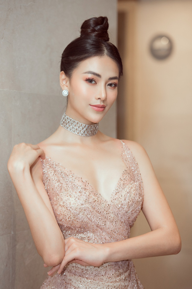 Vượt Ngọc Trinh, Phương Khánh bất ngờ gia nhập hội mỹ nhân eo con kiến với số đo 54cm - Ảnh 2.