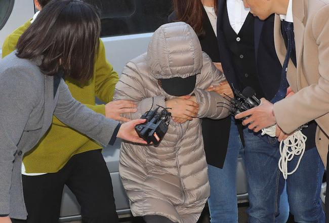 """Cái chết của bé gái Hàn Quốc 15 tháng tuổi hé lộ tội ác khó dung thứ của bảo mẫu """"ác ma"""" với nạn nhân và nhiều đứa trẻ khác - Ảnh 1."""