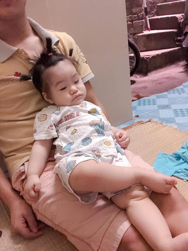 Cậu bé sơ sinh đốn tim cộng đồng mạng vì đôi tay làm ký hiệu OK khi đang ngủ cực dễ thương - Ảnh 7.