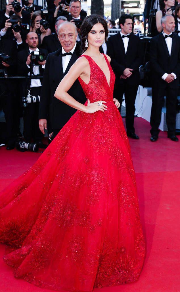 Những bộ đầm đỏ đẹp nhất qua các mùa Cannes: Phạm Băng Băng với  xưng danh nữ hoàng thảm đỏ nhưng vẫn thua hẳn Lý Nhã Kỳ  - Ảnh 11.