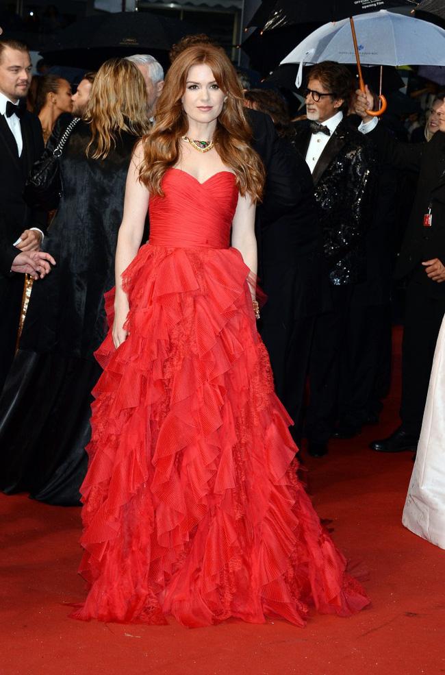Những bộ đầm đỏ đẹp nhất qua các mùa Cannes: Phạm Băng Băng với  xưng danh nữ hoàng thảm đỏ nhưng vẫn thua hẳn Lý Nhã Kỳ  - Ảnh 4.