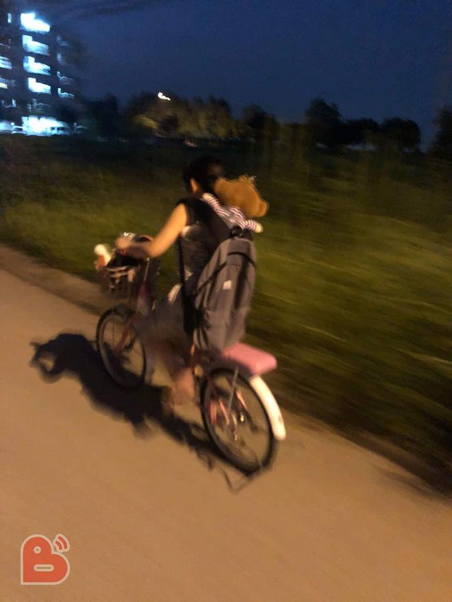 Em gái lầm lũi đạp xe bỏ nhà đi, nội dung lá thư để lại khiến tất cả giật mình - Ảnh 2.