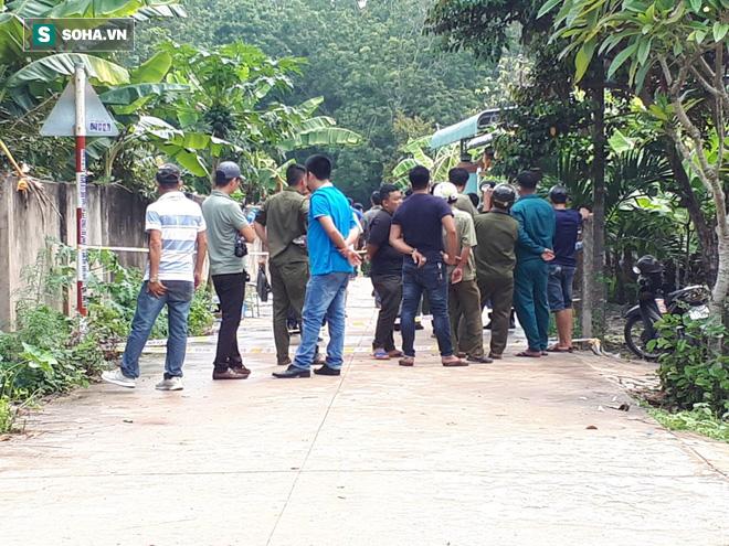 Tình tiết kỳ lạ vụ 2 thi thể bị đổ bê tông: Đôi nam nữ đi xe biển số TP.HCM, trả tiền thuê nhà qua khe hở tường rào - Ảnh 2.