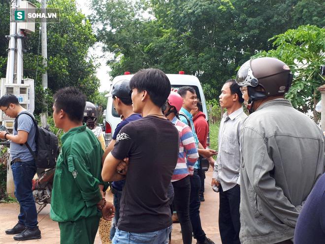 Tình tiết kỳ lạ vụ 2 thi thể bị đổ bê tông: Đôi nam nữ đi xe biển số TP.HCM, trả tiền thuê nhà qua khe hở tường rào - Ảnh 3.
