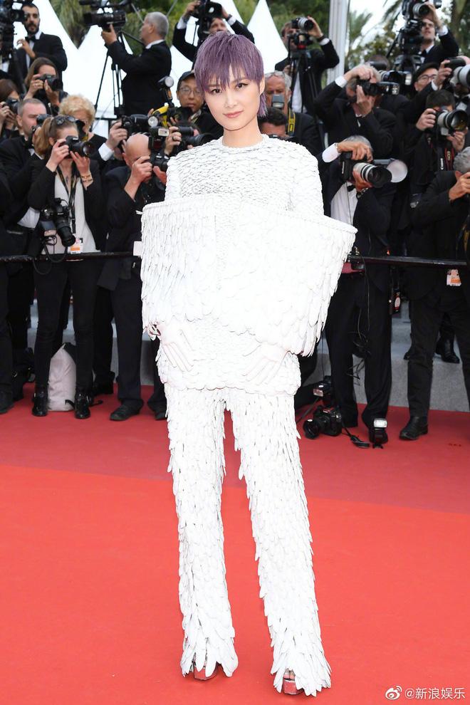 Thảm đỏ Cannes ngày 2: Thiên thần Victorias Secret suýt lộ hàng, Phạm Băng Băng Thái Lan xinh như tiên tử - Ảnh 36.