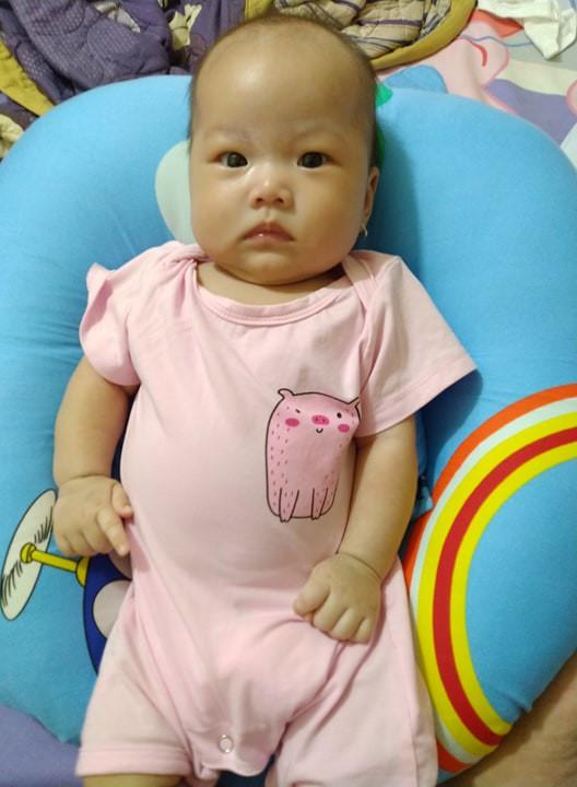 Không thể chịu nổi cảnh đêm nào cũng bế con ngủ, mẹ Đồng Nai quyết tâm luyện con ngủ xuyên đêm từ 2,5 tháng tuổi  - Ảnh 4.