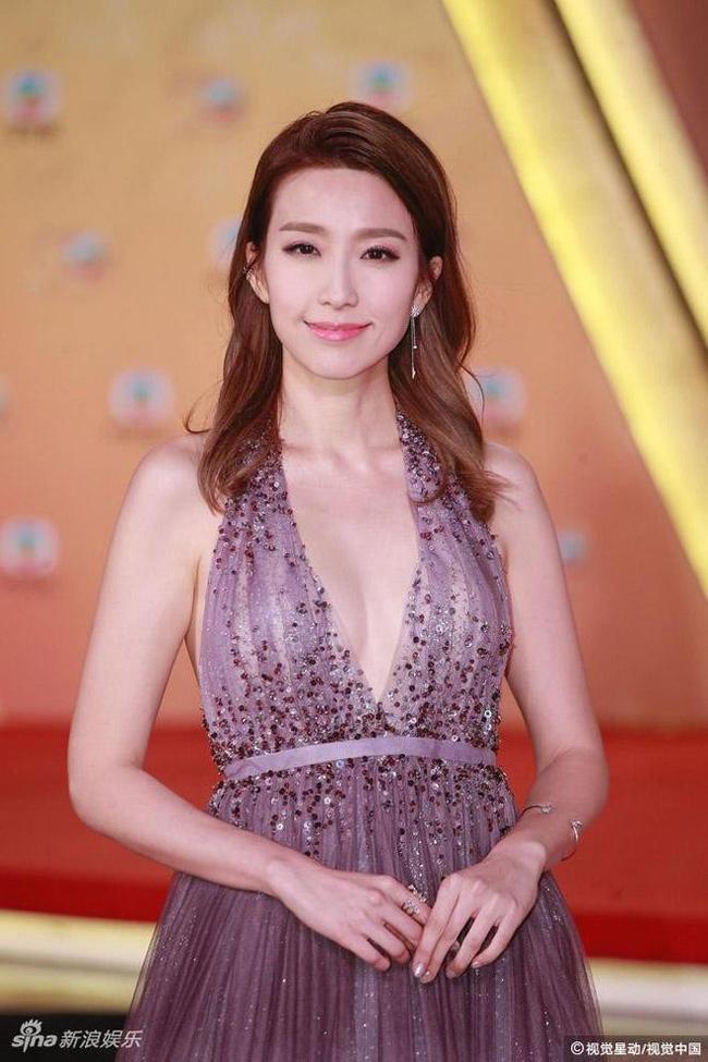 Showbiz Hong Kong lại chấn động: Hoa đán TVB Diêu Tử Linh bị lộ ảnh giường chiếu với chồng của bạn thân? - Ảnh 5.