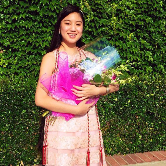 Chân dung nữ sinh gốc Việt gây bão truyền thông quốc tế: 14 tuổi tốt nghiệp trung học, 19 tuổi là dược sĩ trẻ nhất bang California, Mỹ - Ảnh 2.