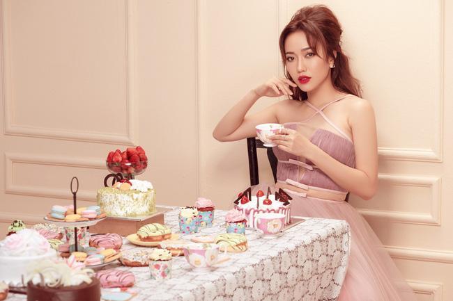Diệu Nhi mặc váy xẻ đùi cao khoe chân nuột nà trong set đồ ngọt ngào - Ảnh 6.