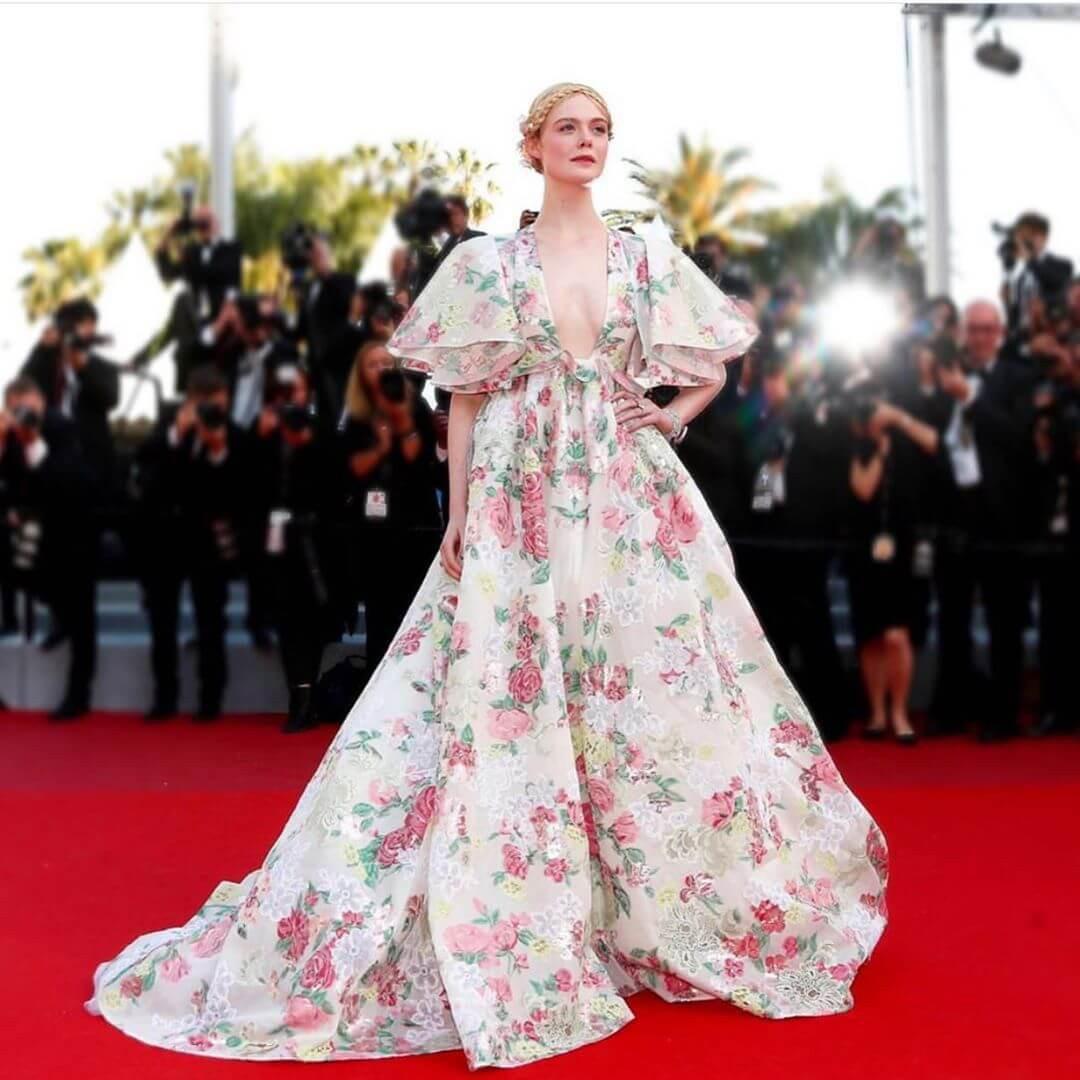 """Chẳng cần chiêu trò """"hở da thịt"""", 25 bộ cánh này vẫn được công nhận là đỉnh nhất Cannes 2019 - Ảnh 1."""