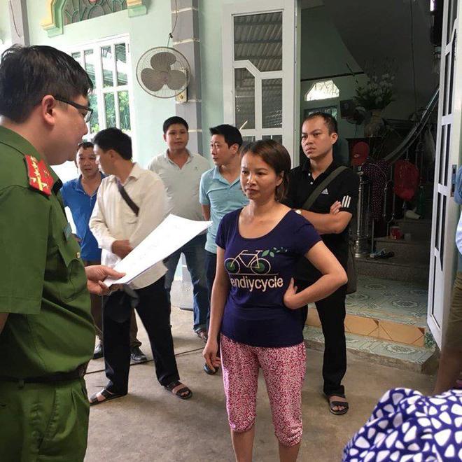 Mẹ nữ sinh giao gà ở Điện Biên định ra ám hiệu cho chồng, đòi lấy điện thoại khi nghe lệnh bắt giữ - Ảnh 2.