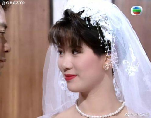 27 mỹ nhân tuyệt sắc Hong Kong mặc váy cưới tinh khôi, Lê Tư hay Châu Huệ Mẫn mới kinh diễm hơn cả? - Ảnh 23.