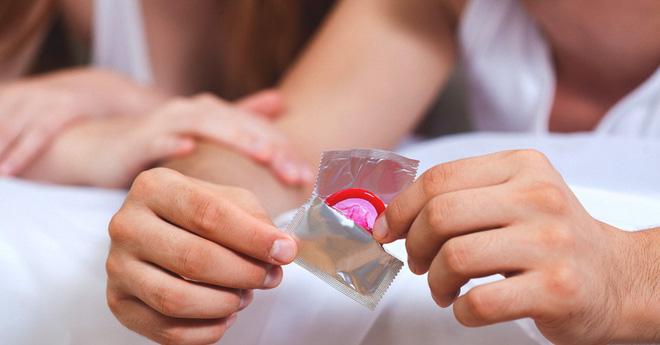 Dị ứng latex thì phải sử dụng bao cao su nào để bảo vệ khi quan hệ tình dục? - Ảnh 1.