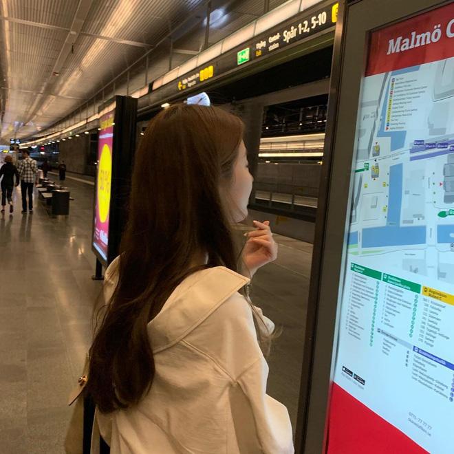Chỉ có thể là Suzy: Đi du lịch châu Âu mà chụp hình... nhìn như ở Ba Vì, may là chị vẫn đẹp nên fan tha thứ hết! - Ảnh 13.