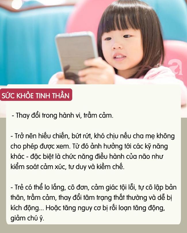 con-xem-dien-thoai-4