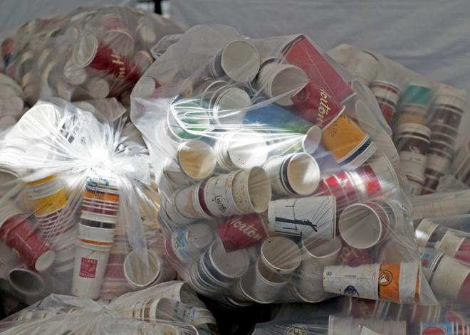 5 hành động nho nhỏ nhưng lại góp sức to lớn vào tương lai không rác nhựa mà bạn có thể dễ dàng thực hiện - Ảnh 3.