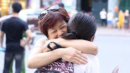 Ngày cuối cùng kỳ thi THPT Quốc gia 2019: Bố mẹ ôm choàng lấy con, tự tin vượt ải Khoa học xã hội